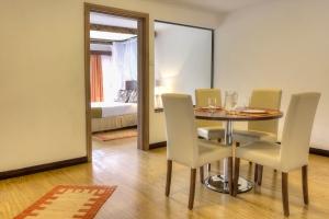 Deluxe  1- Bedroom Apartment
