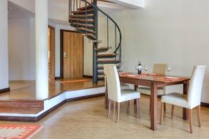 Attic  2-Bedroom Apartment