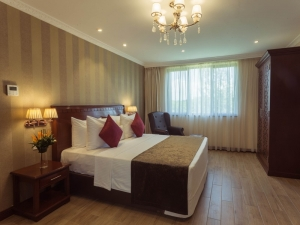 Woodlands State Suite